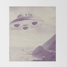 UFO Throw Blanket