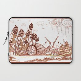 Snail in the garden Laptop Sleeve