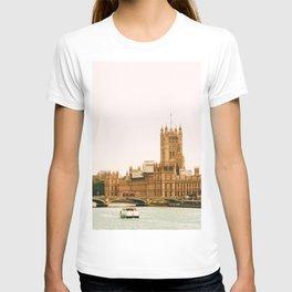 Sepia London England Cityscape (Color) T-shirt