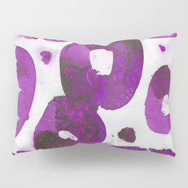 Fuschia pink connected rings. Pillow Sham