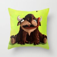 ed sheeran Throw Pillows featuring Ed by Hanka Žáčková
