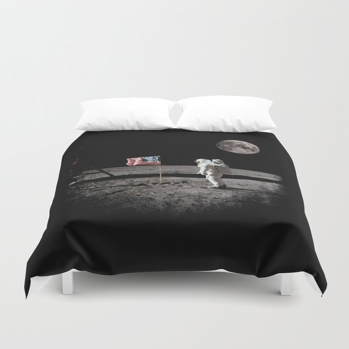 The Great Conspiracy: The Moon Is a Lie Duvet Cover