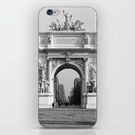 Dewey Arch, New York iPhone Skin