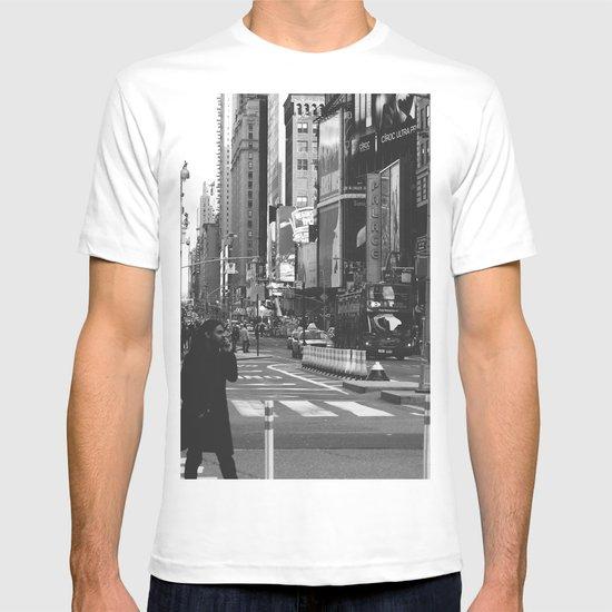 Let my imagination go (B&W) T-shirt