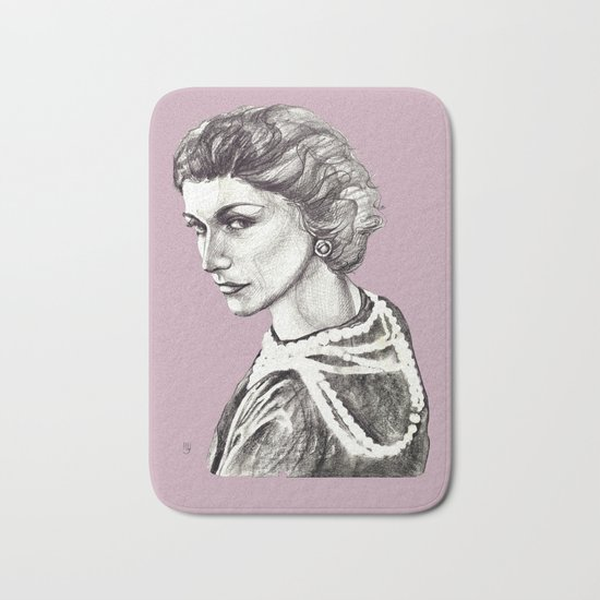 Coco portrait with pearls Bath Mat
