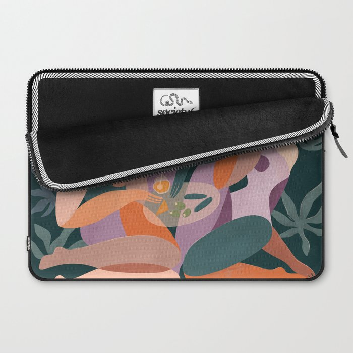 Girl's night out Laptop Sleeve
