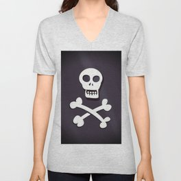 Pirate Skull and crossbones flag Unisex V-Neck