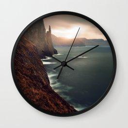 Trollkonufingur Wall Clock