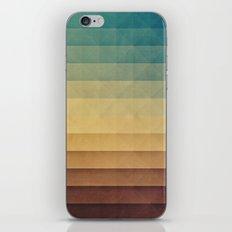 rwwtlyss iPhone Skin