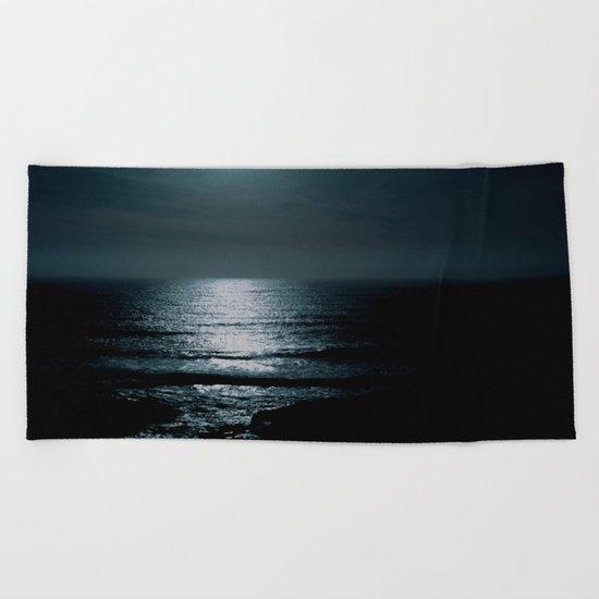 Black water  Beach Towel