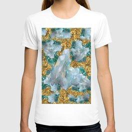 WHITE QUARTZ  CRYSTALS & BLUE-GREEN AQUAMARINE T-shirt