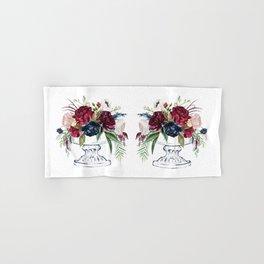 Vase with colorful floral bouquet Hand & Bath Towel