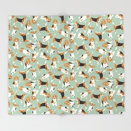 beagle scatter mint Throw Blanket