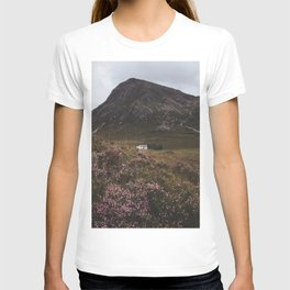 The moorland house - Landscape and Nature Photography T-shirt