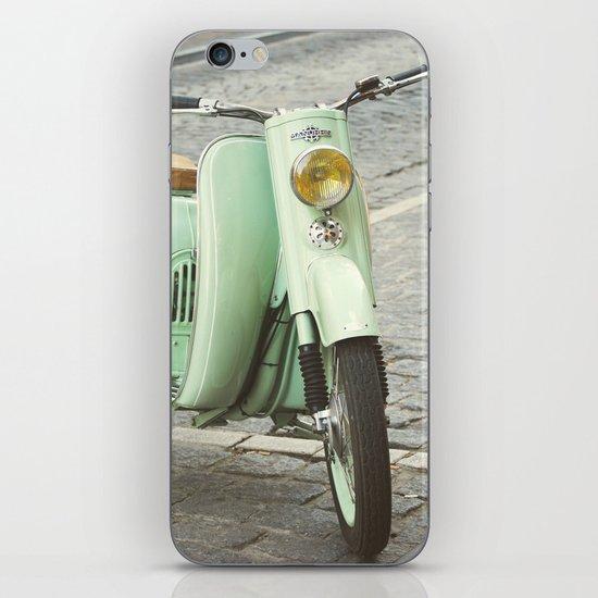 Mint Moto iPhone & iPod Skin