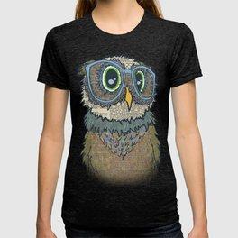 Owl wearing glasses T-shirt
