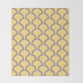 Classic Fan or Scallop Pattern 487 Yellow and Gray Throw Blanket