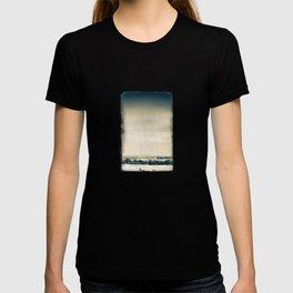 Romancing Winter. T-shirt