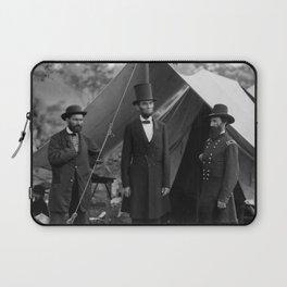Lincoln with Allan Pinkerton - Battle of Antietam - 1862 Laptop Sleeve