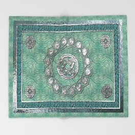 Arabesque Traditional Motif Throw Blanket
