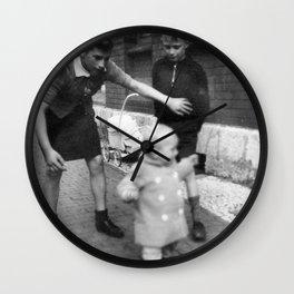 Aufpassen Wall Clock