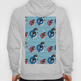 Parent-child penguin walking on the Wave_B Hoody