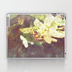 Honey Bee: Pearl Laptop & iPad Skin