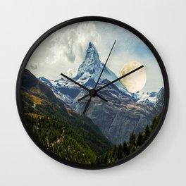 Wander trip sets the Moon Wall Clock