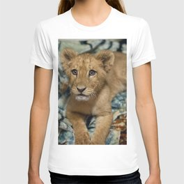 Lambert the Lion and His Blanket T-shirt