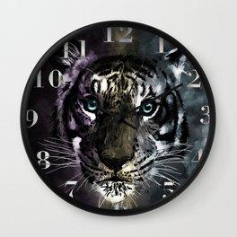 Tiger under Aurora: Reworked Wall Clock