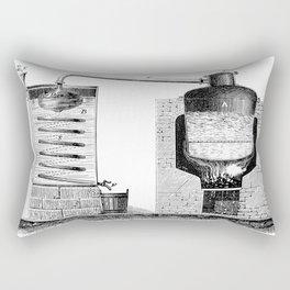 Alambic à double fond pour la distillation des marcs de raisin Rectangular Pillow