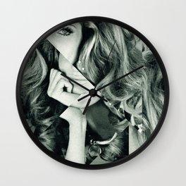Frau Dreiecke 5 Wall Clock