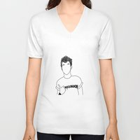 louis tomlinson V-neck T-shirts featuring Louis Tomlinson by the peach hideout