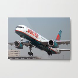 Boeing 757 Takeoff Photo Metal Print