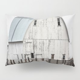 White Barn - Large Weathered Barn in Illinois Pillow Sham
