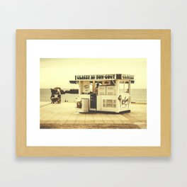 Au bon gout Framed Art Print