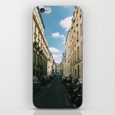 Spring in Paris - Le Marais Street Scene iPhone & iPod Skin