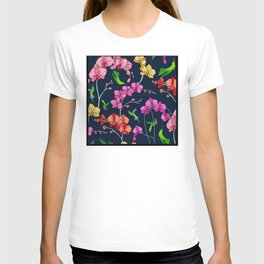 Colorful Flowers With Humming Birds Pattern T-shirt