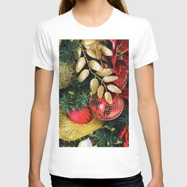 Christmas Tree Decorations in Glitzy Red and Gold T-shirt