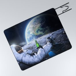 Astronaut on the Moon with beer Picnic Blanket