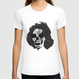 Norman Bates' Auntie Liz (Liz Taylor Skullface) T-shirt