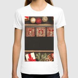 Images Christmas English JOY present Balls bow kno T-shirt