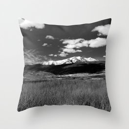 The Mountains In Utah Throw Pillow