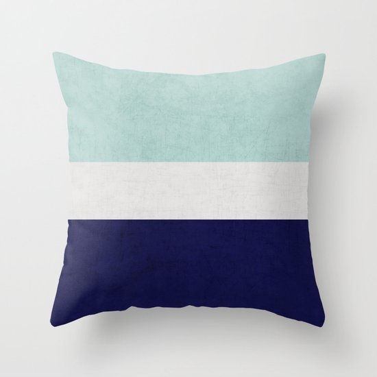 ocean classic Throw Pillow