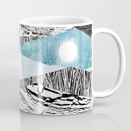 A break in the mountains Coffee Mug