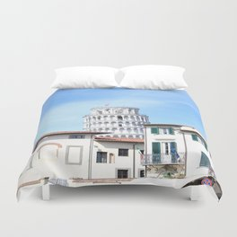 Sneak into the picture Duvet Cover