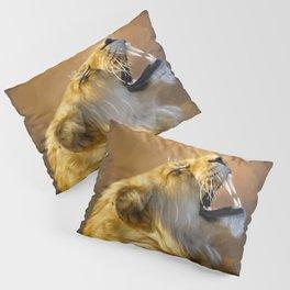 Roaring lion portrait Pillow Sham