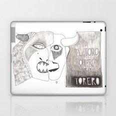 El toro que quería ser torero Laptop & iPad Skin