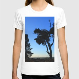 Trees in the fading light T-shirt