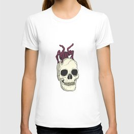 Skull with spider on its head T-shirt